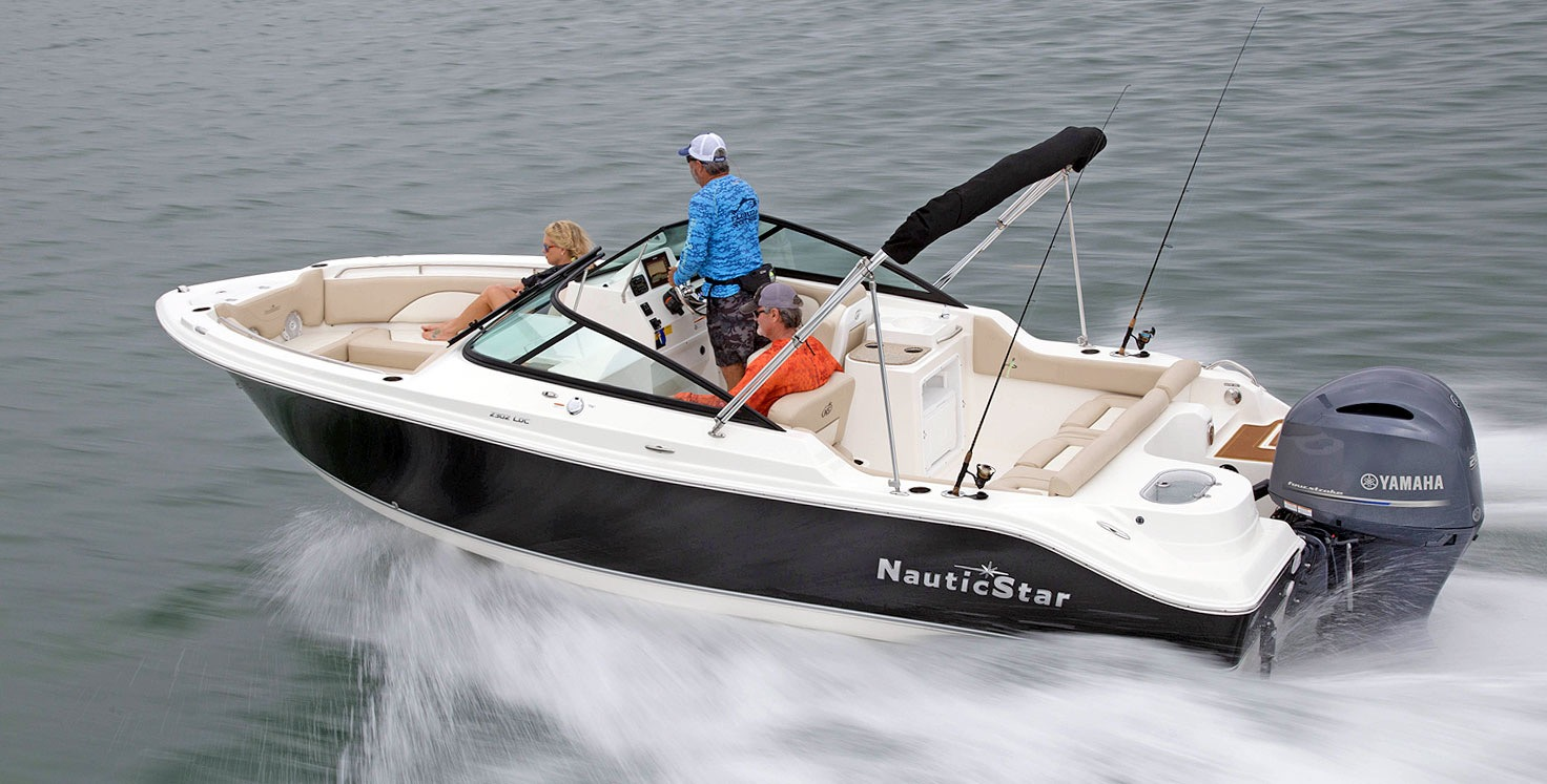 Treat Your Dad to a Rental Boat for Father's Day!